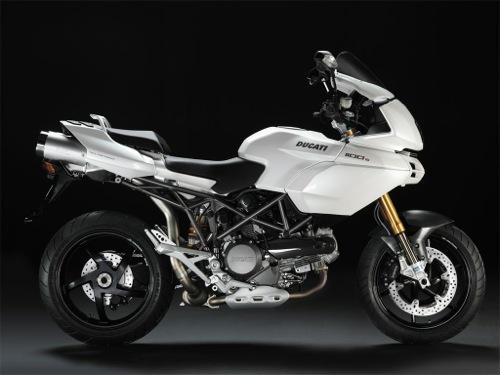 Ducati Multistrada 1100 Motorcykel- och skoteruthyrning i Firenze (Italien)