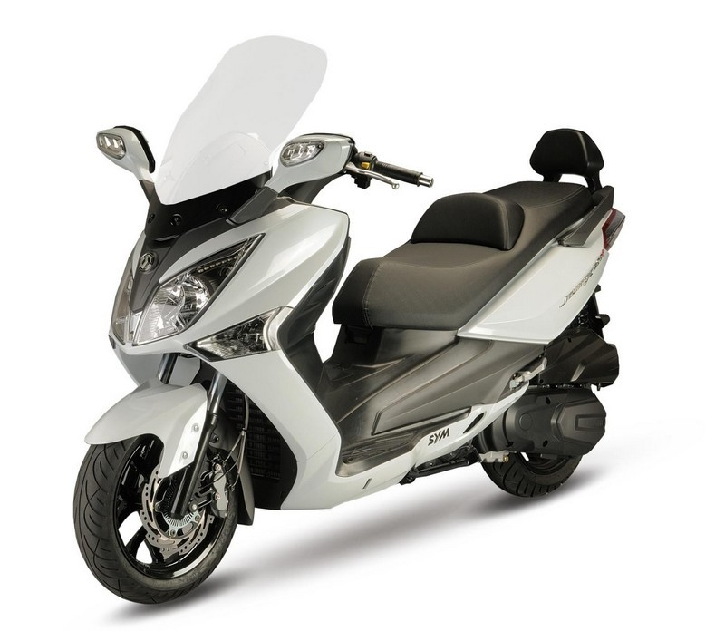 SYM GTS evo 300 Alquiler de motos y scooters en Lanzarote (España - Canarias)