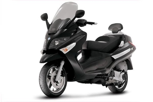 Piaggio V7 EVO 300 Motorcycle and scooter rentals in Firenze (Italy)