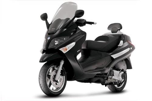 Piaggio V7 EVO 300 Motorcykel- och skoteruthyrning i Firenze (Italien)