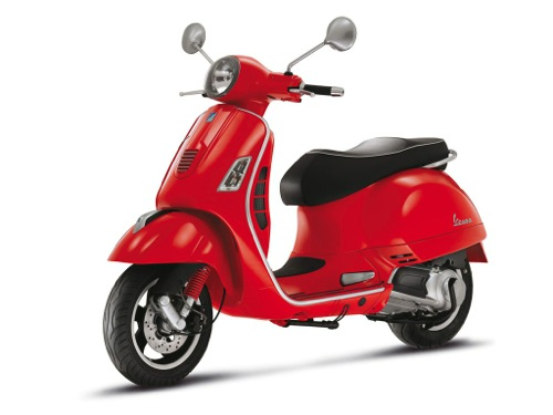 Vespa GTS 125 Motorcycle and scooter rentals in Madrid (Spain)