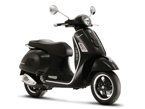 Vespa GTS 300 Motorcycle and scooter rentals in Firenze (Italy)