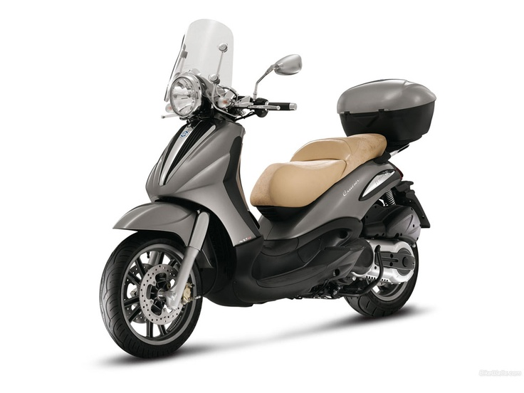 Piaggio Beverly Cuiser Alquiler de motos y scooters en Lanzarote (España - Canarias)