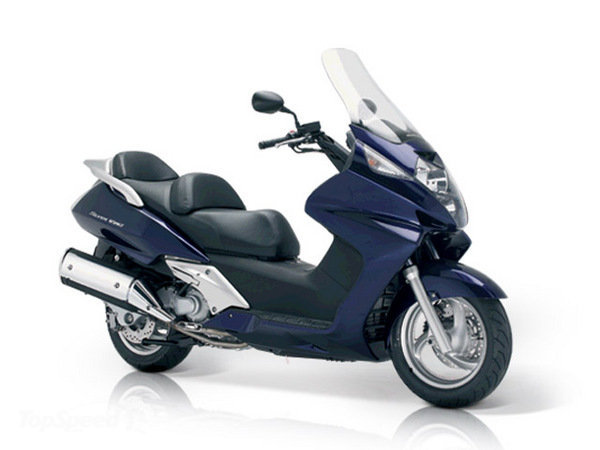Honda Silver Wing Motorcycle and scooter rentals in Roma (Italy)
