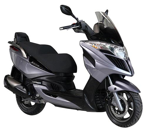 Kymco Granddink 125 Motorcycle and scooter rentals in Madrid (Spain)