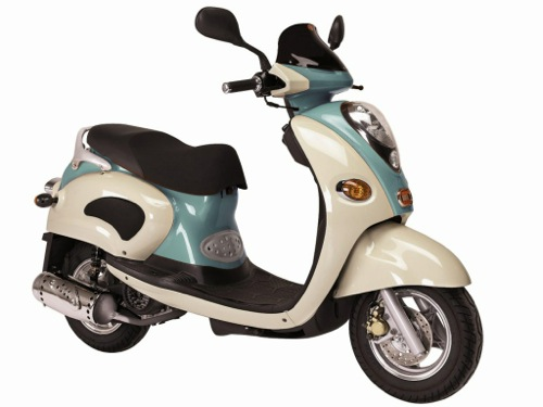 Linhai Eggy 125 Motorcycle and scooter rentals in Roma (Italy)