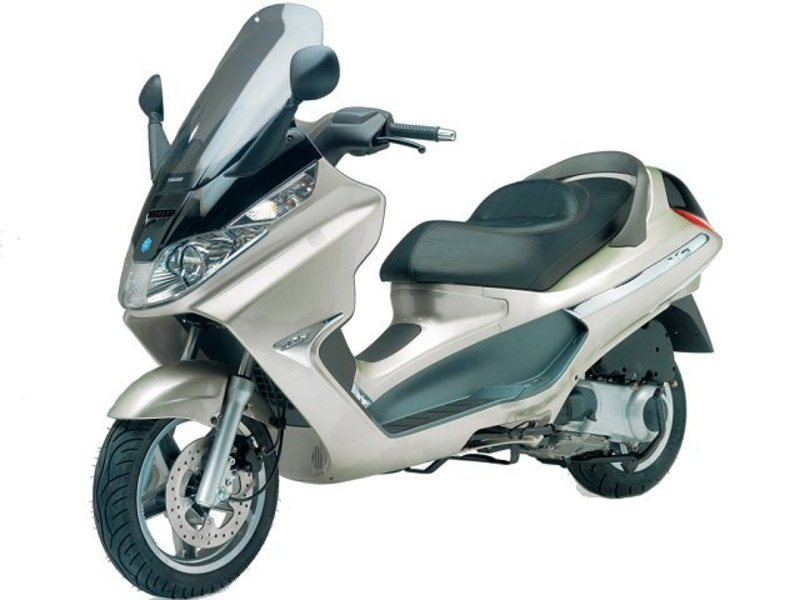 Piaggio X8 200 Motorcycle and scooter rentals in Fuerteventura (Spain - Canary Islands)