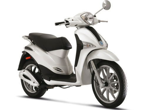 Piaggio Liberty 125 Motorcycle and scooter rentals in Madrid (Spain)