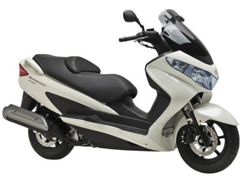 Suzuki Burgman 200 Motorcycle and scooter rentals in Madrid (Spain)