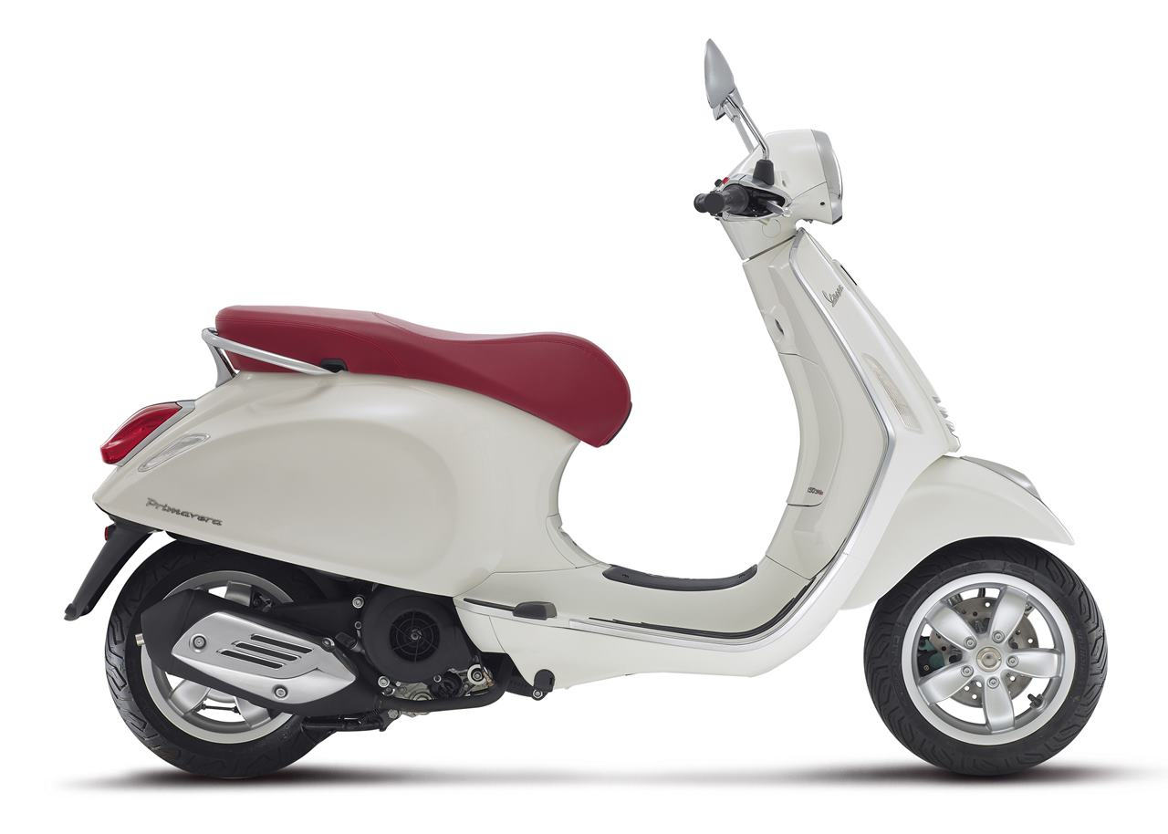 Piaggio Vespa 125 Motorcycle and scooter rentals in Bologna (Italy)